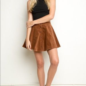 BRANDY MELVILLE • suede corduroy button down skirt